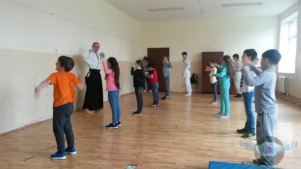 Клуб Инари кай в школьном лагере